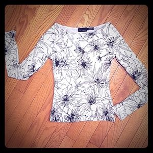 FINAL PRICE!! Black & white floral top